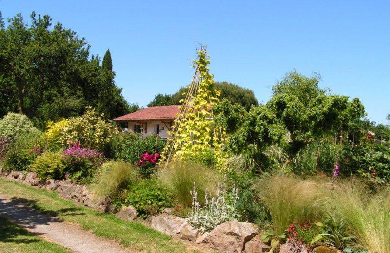 2016 le Relais des Garennes MONTBERT tipi fleuri