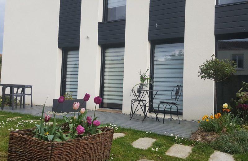 2019-exterieur-maison–le-voyage-dans-la-chambre-jaune-clisson-44-levignobledenantes