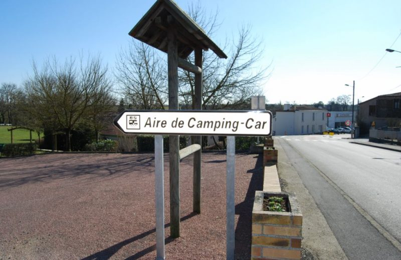 aire camping car  la boissiere
