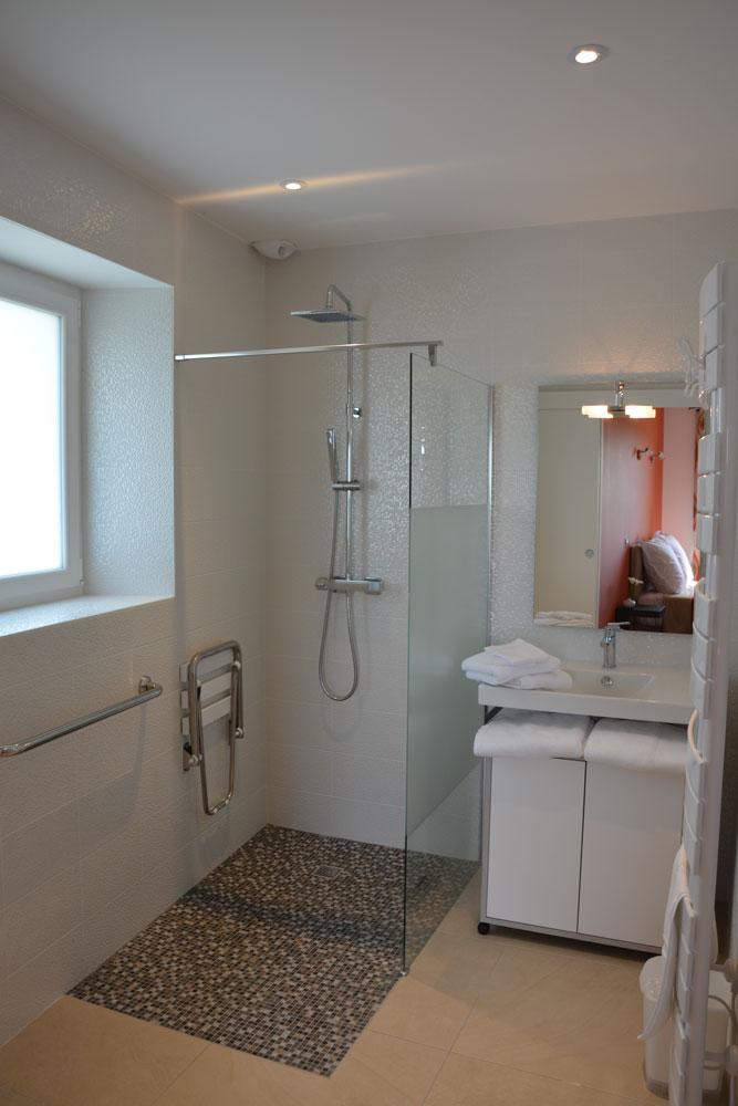 gite-vignoble-nantes-salle-de-bain-3
