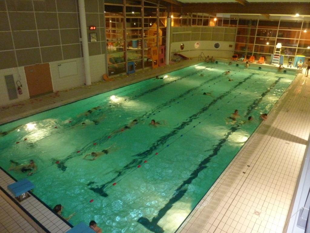 piscine naiadolis vallet